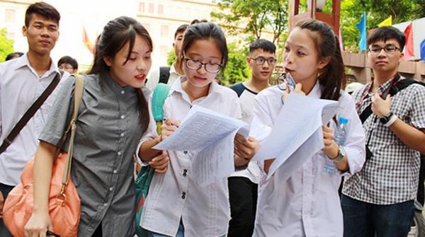 Học sinh mong muốn đăng ký thi vào trường học viện Tài Chính
