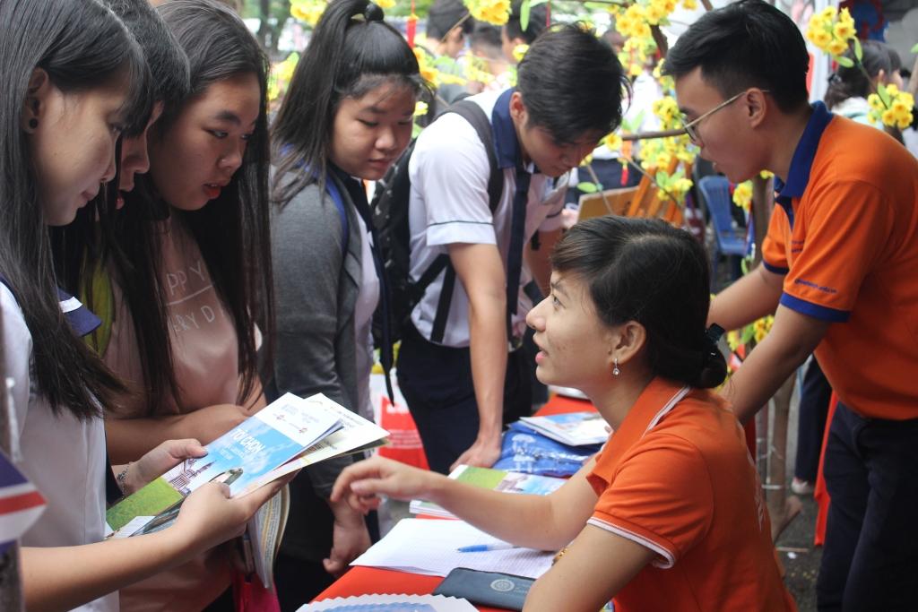 Buổi tư vấn tuyển sinh là cơ hội tốt để thí sinh tìm hiểu kỹ về các trường cấp 3