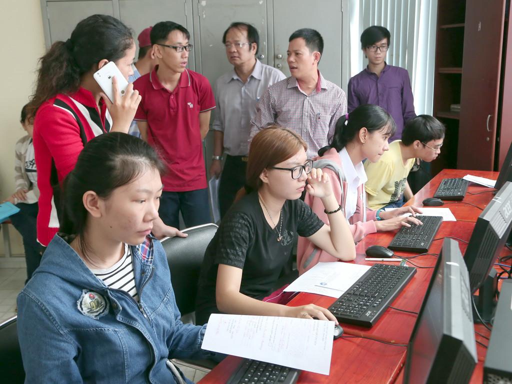 Tìm thông tin quy chế học nghề qua internet là lựa chọn hiệu quả cho thí sinh