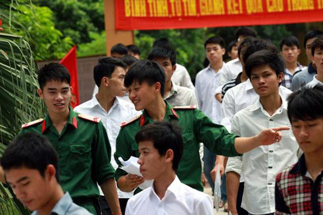 Thí sinh hàng năm thi tuyển vào các trường quân đội khá đông