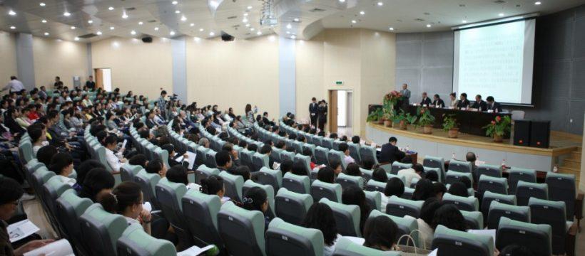 Nền giáo dục bậc cao hiện đại tại nước ngoài bất kỳ sinh viên nào của Việt Nam đều mơ ước
